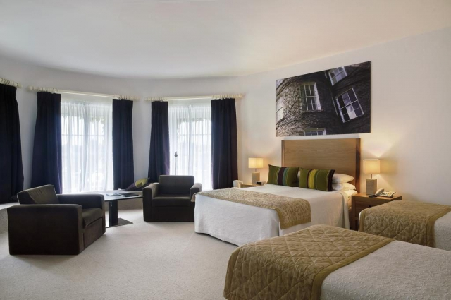 Butler House Luxury Kilkenny Guesthouse bedroom 1
