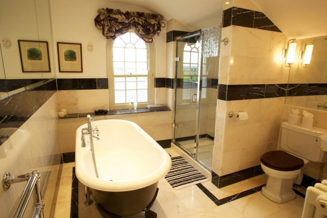 Grange Manor Freshford Bed and Breakfast Bathroom