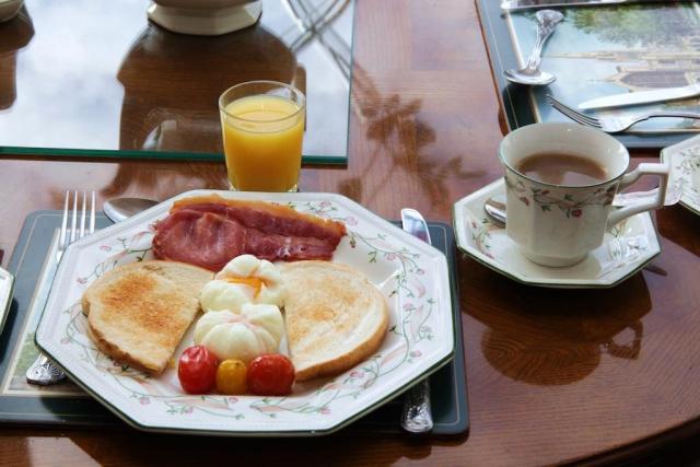 Launard House Breakfast
