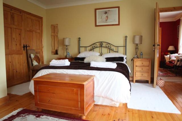 Newlands Lodge B and B Kilkenny Bedroom 2