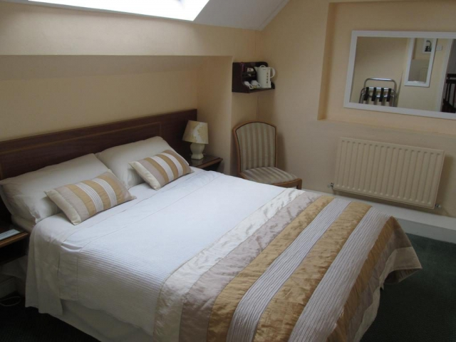 The Laurels bnb kilkenny bedroom 1