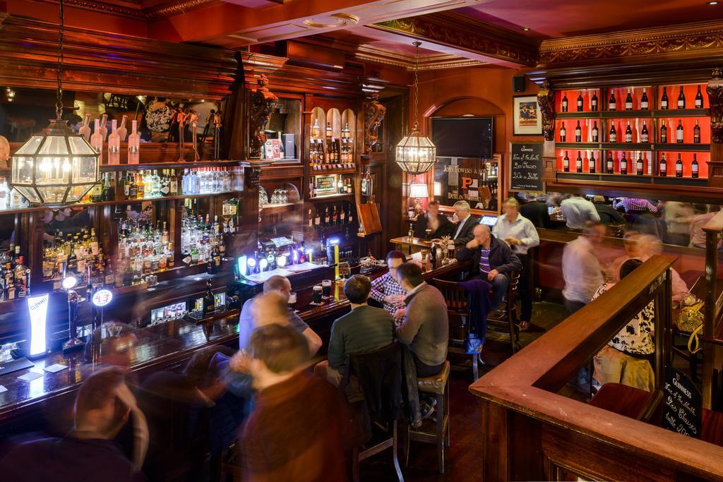 hibernian hotel kilkenny bar
