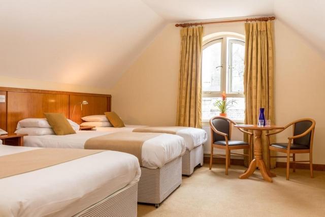 Kilkenny Inn Hotel triple room