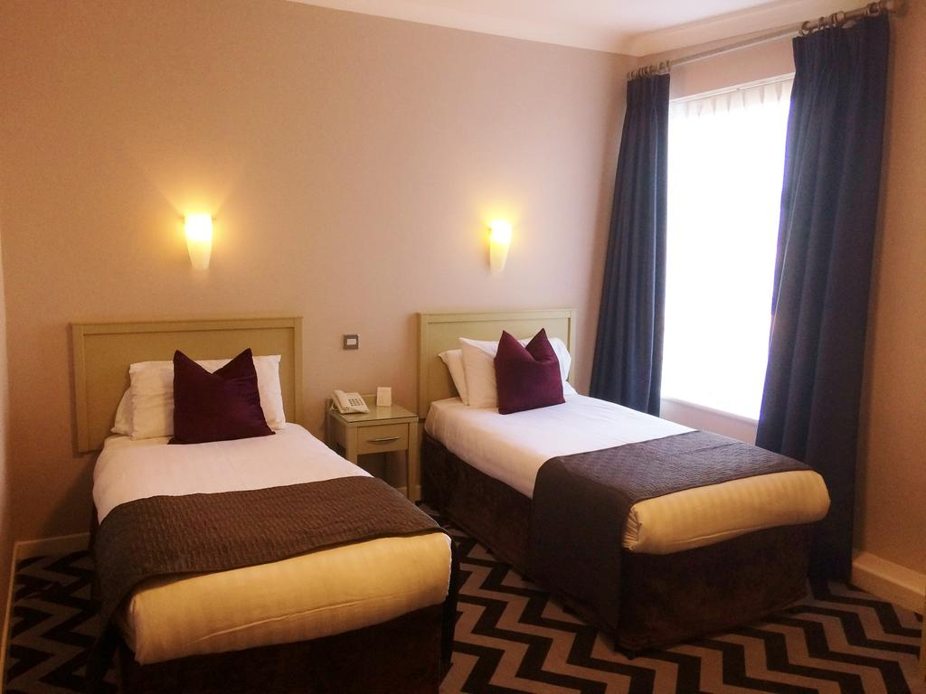 Springhill Court Hotel Kilkenny Twin Bedroom